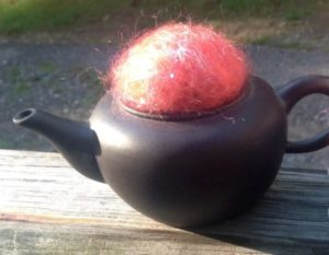 Pincushion - metal teapot with 100% wool bead for your pins